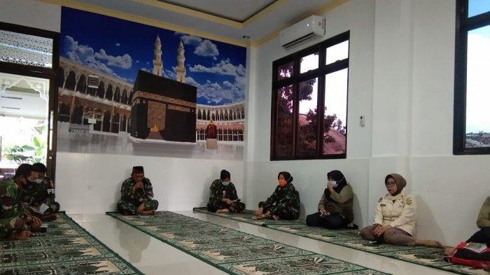 Jajaran Anggota Kodim 0410 Bandar Lampung Lakukan Doa Bersama di Mushollah Palapa Kodim
