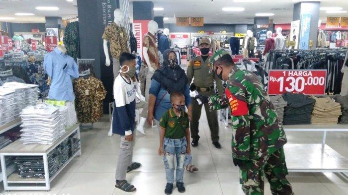 Satgas penanganan Covid-19 Kota Bandar Lampung Imbau Pengunjung Ramayana Ciplaz Patuhi Prokes