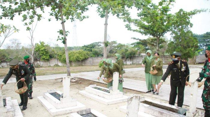Peringati HUT ke-76 TNI, Kodim 0426 Tuba Lampung Ziarah ke Taman Makam Pahlawan