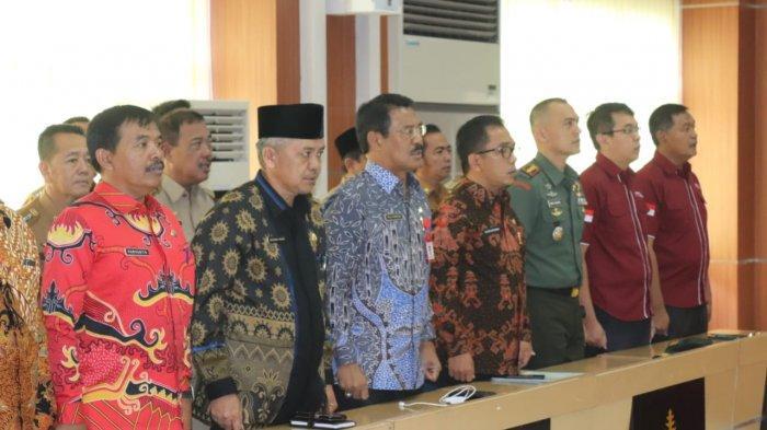 Dandim Hadiri Pembagian Sertifikat Di Gedung Semergou Bandar Lampung