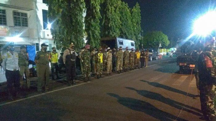 Mayor Inf Haryono Pimpin Patroli Protokol Kesehatan pada Malam Hari di Pusat Keramaian