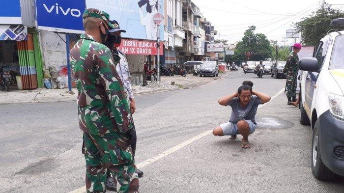 Patroli Protokol Kesehatan, Mayor Inf Haryono Beri Hukuman pada Warga yang Tidak Gunakan Masker