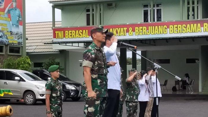 Kolonel Inf Romas Herlandes Menutup Pelatihan Kedisiplinan Anggota Pawascam