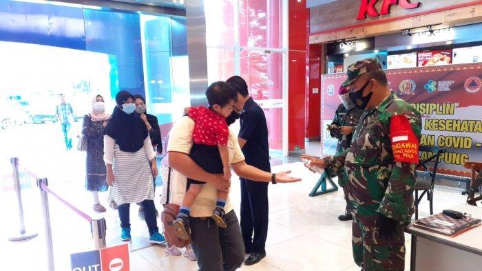 Upaya Cegah Covid 19, Satgas Kota Bandar Lampung Lakukan Pengawasan Prokes di Mall Transmart