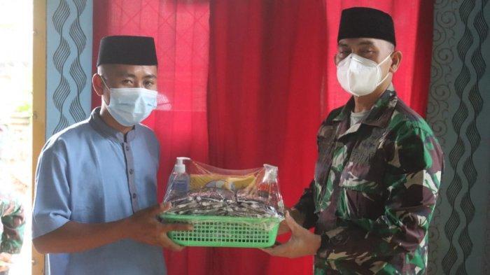 Baksi Sosial TNI, Dandim 0410/KBL Kolonel Inf Romas Herlandes Kunjungi Rumah Singgah Lansia