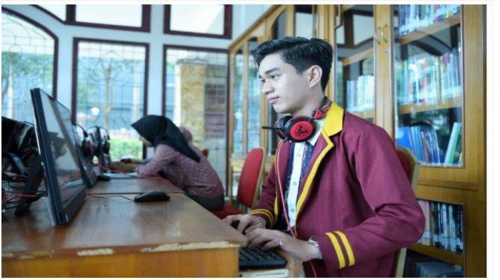 Mahasiswa PTS Terbaik di Lampung, Universitas Teknokrat Juara Nasional Brawijaya English Tournament