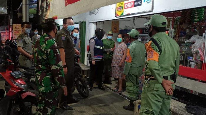 Koramil 410-06/Kedaton Rutin Patroli Rokes di Tempat Keramaian Hingga Malam Hari