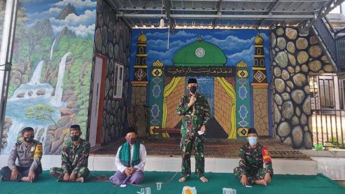 Jumat Peduli TNI, Dandim Kolonel Inf Romas Herlandes Kunjungi Pondok Pesantren Assalafi Alafiah