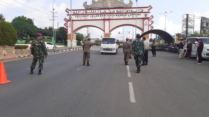 Jelang Libur Lebaran, Koramil 410-02/TBS Pantau Pendatang di Pos Penyekatan Rajabasa