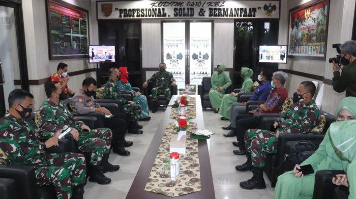 Romas Herlandes Terima Kunjungan Kerja Brigjen TNI Drajad Brima Yoga ke Makodim