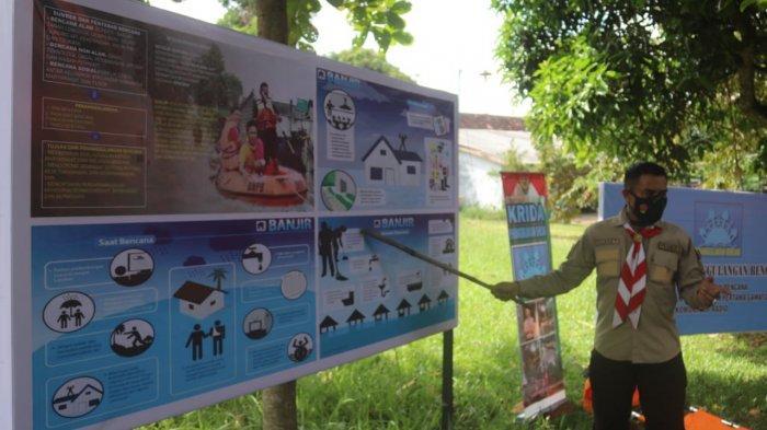 Babinsa Pelda Sarwani Berikan Materi Wawasan Kebangsaan pada Kegiatan Pramuka Saka Wira Kartika