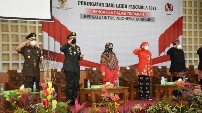 Kolonel Inf Romas Herlandes Hadiri Upacara Peringatan Hari Lahir Pancasila di Gedung Sumergo