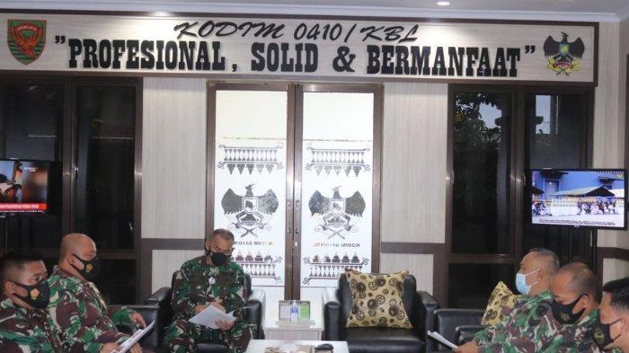 Komandan Kolonel Inf Romas Herlandes Pimpin Rapat Kesiapan Rencana Karya Bakti Satkowil Tahun 2021