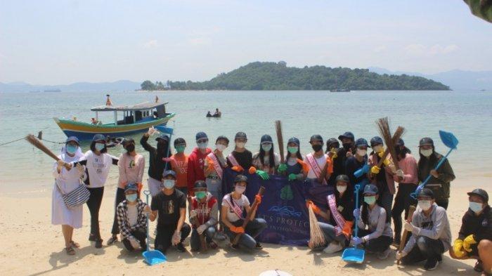 Komunitas Small Steps Lampung Mengadakan Aksi Bersih Pantai