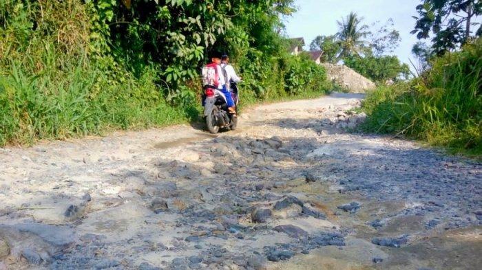 Perbaiki Jl Bumi Manti Kampung Baru Bandar Lampung