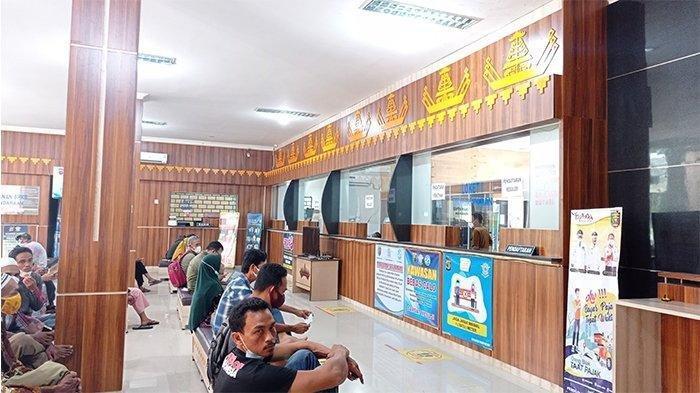Hindari Kerumunan, UPTD Samsat Mesuji Lampung Bagi Antrean 3 Shift