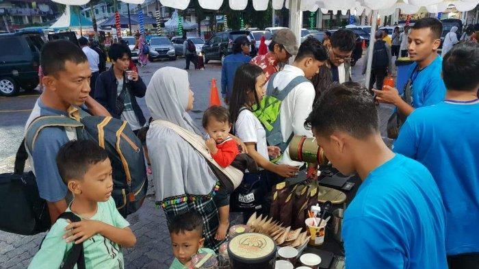 PT KAI Tanjungkarang Libatkan 5 Barista untuk Racik Kopi Gratis