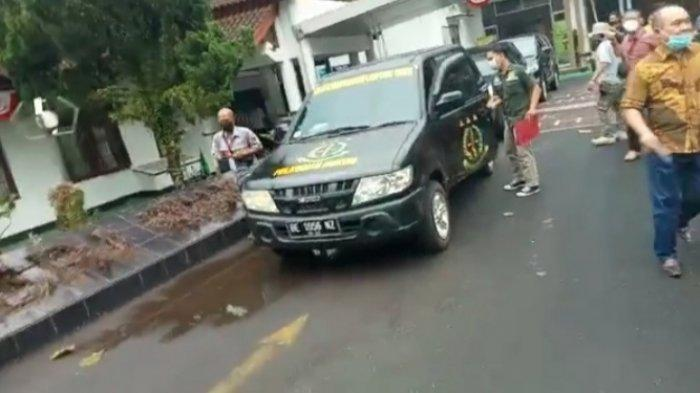 BREAKING NEWS Kejari Tahan Wakil Ketua DPRD Lampung Timur, Diduga Terkait Korupsi Dana Hibah