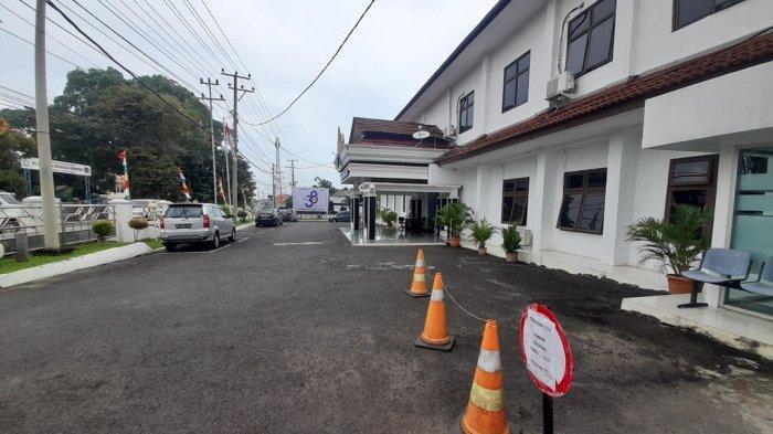 BREAKING NEWS KPK Periksa Eks Wagub Bachtiar Basri Terkait Perkara Dugaan Suap Lampung Utara