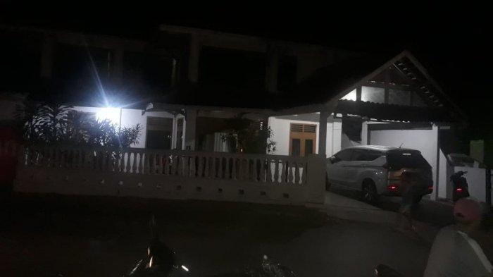 KPK juga Sambangi Rumah Tenaga Ahli Pemkab Lampung Utara