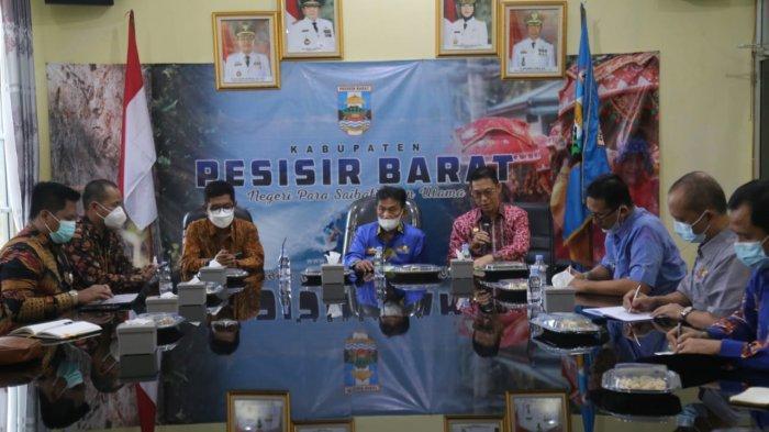 Audiensi di Pesisir Barat, KPPU Lampung Bertugas Awasi UMKM