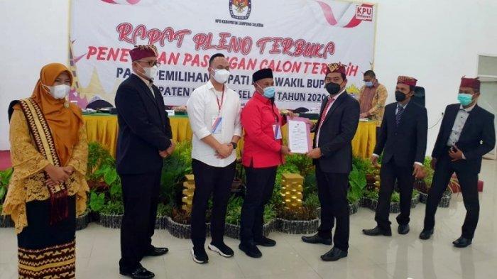 KPU Lampung Selatan Tetapkan Nanang-Pandu sebagai Paslon Bupati dan Wakil Bupati Terpilih