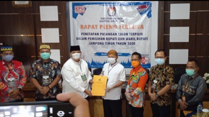BREAKING NEWS KPU Lampung Timur Tetapkan Dawam Rahardjo-Azwar Hadi Jadi Bupati-Wabup Terpilih