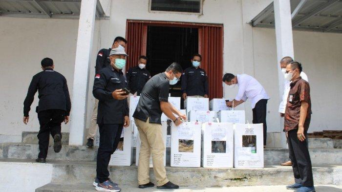 KPU Way Kanan Buka Kotak Suara Ambil Formulir C Daftar Hadir Pemilih