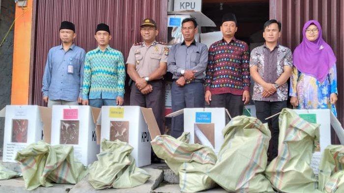 KPUD Lampung Barat Gelar Pengosongan Kotak Suara Pemilu 2019