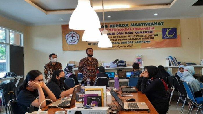 PKM PTS Terbaik di Lampung, Teknokrat Latih Guru SMK Kridawisata tentang Pembuatan Konten