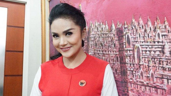 Mulan Jameela dan Krisdayanti Dilantik Jadi Anggota DPR, Intip Gaya Keduanya