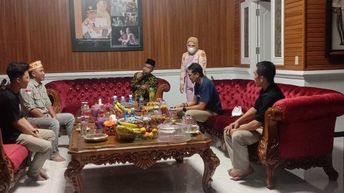 Sandiaga Uno Sambangi Kediaman Pribadi Bupati Lampung Barat. Diskusi Bahas Pengembangan Pariwisata