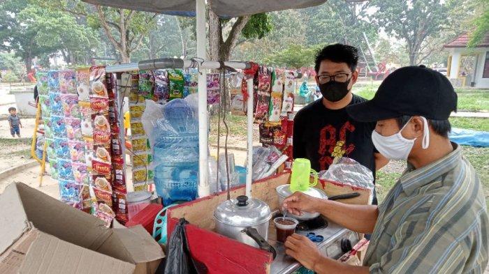 Kuliner Lampung, Didi Jajakan Mi Goreng Pakai Gerobak Sepeda Motor