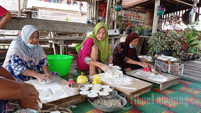 Kuliner Lampung, Kerupuk Khas Mesuji Buatan KU Mawar Merah, Harga Mulai Rp 10 Ribu