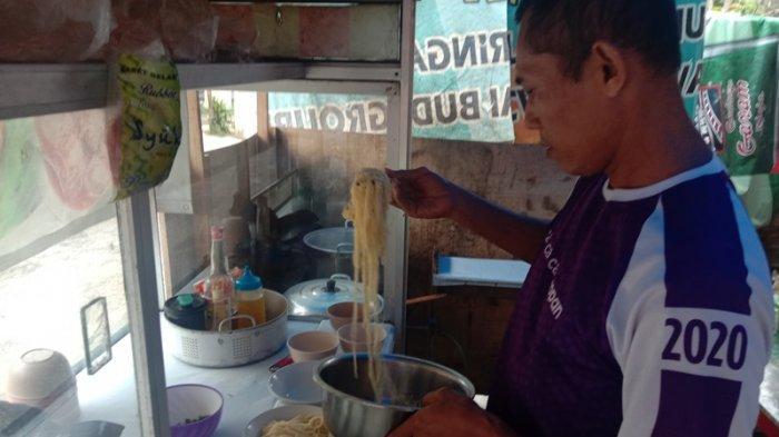 Kuliner Lampung, Mi Ayam Dilan di Pringsewu Terima Delivery Order Rp 10 Ribu per Porsi
