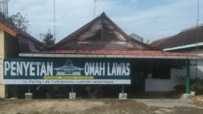 Kuliner Lampung, Nikmati Ayam Bakar Penyetan Omah Lawas dengan Sambal Cadas