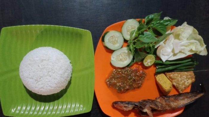 Kuliner Lampung, Pecel Lele Sambal Dilan di Gisting Obat Lapar di Saat Malam