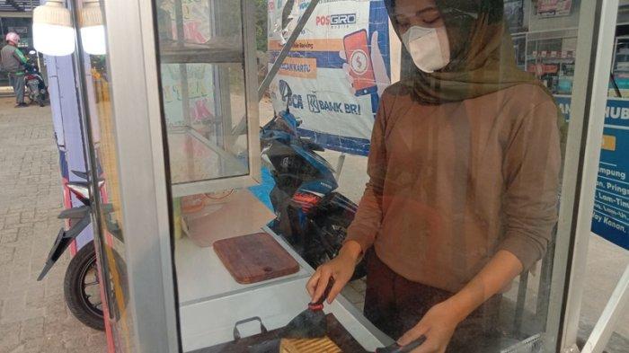 Kuliner Lampung, Roti Bakar Bandung Racikan Tiara Kaya Akan Rasa