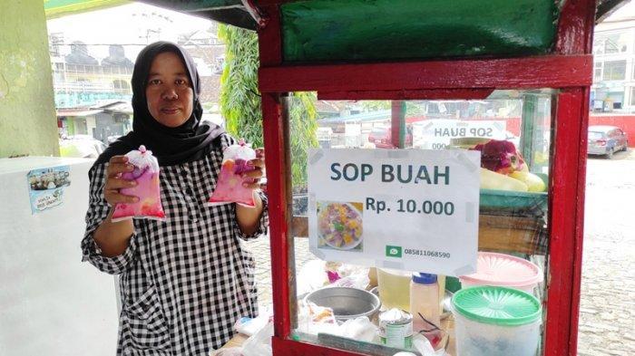 Kuliner Lampung, Sop Buah Asnawati Rp 10 Ribu per Porsi, Buahnya Dijamin Fresh