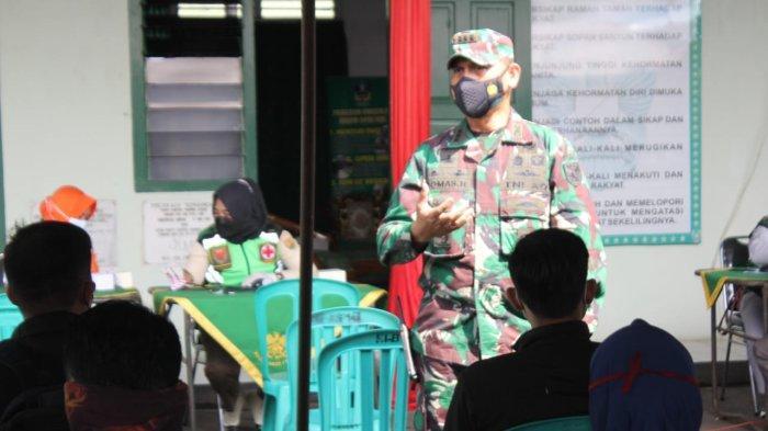 Kolonel Inf Romas Herlandes Tinjau Pelaksanaan Gebyar Vaksin Covid di Makodim