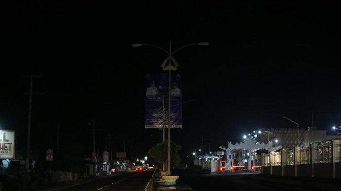 Lampu Penerangan di Pasar Kangkung Bandar Lampung Padam