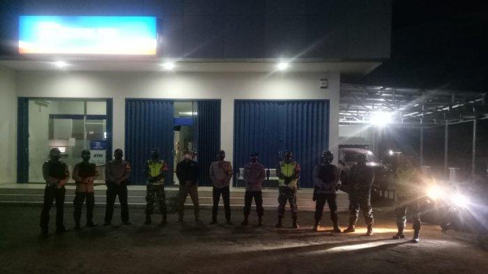 Lampung Barat Terapkan PPKM Level 4, Polsek Sekincau Gelar Patroli Gabungan