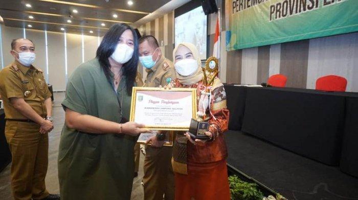 Lampung Selatan Raih Penghargaan Kabupaten/Kota Terbaik Pertama Percepatan Penurunan Stunting