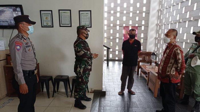 Babinsa Koramil 410-04/TKT Pelda Usep Lakukan Penertiban Rumah Kontrakan di Kedamaian