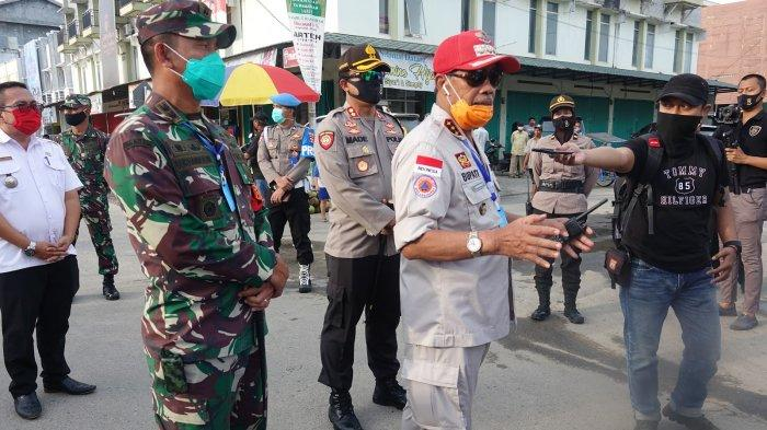 Bupati Lampung Tengah Beri Arahan kepada Pedagang Guna Pencegahan Penyebaran Covid-19