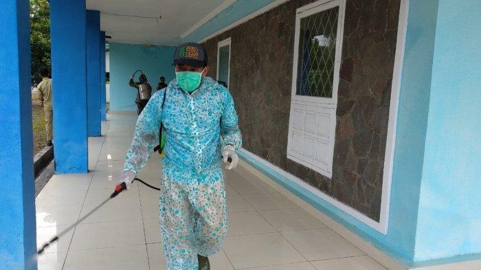 Diskominfo  Lampung Timur Lakukan Penyemprotan Disinfektan