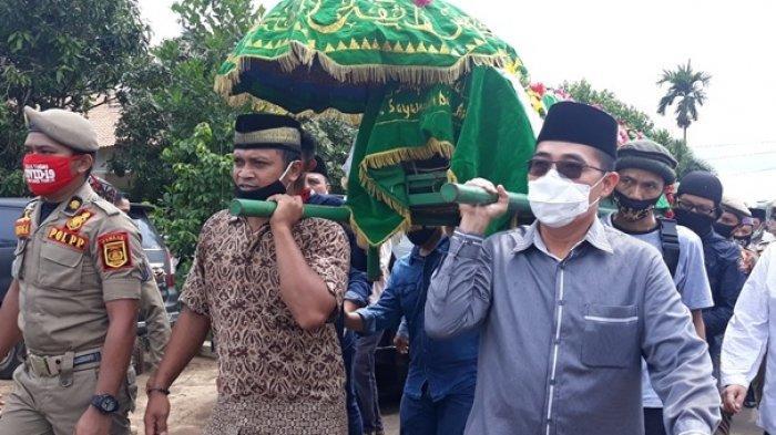 Zaiful Bokhari Hadiri Pemakaman Mantan Bupati Lampung Timur Erwin Arifin