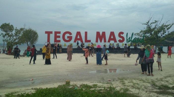 Pulau Tegal Mas 'Diserbu' Ribuan Pengunjung