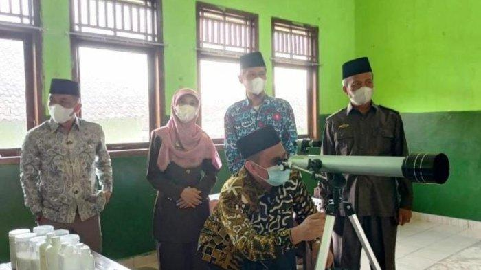 Kepala Kandepag Tubaba Lampung Kunjungi Laboratorium Sains Ponpes Modern Al Furqon