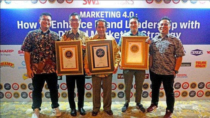 Lemari Es SHARP Pertahankan Posisi Nomor Satu Selama 17 Tahun di Indonesia Best Brand Awards 2019